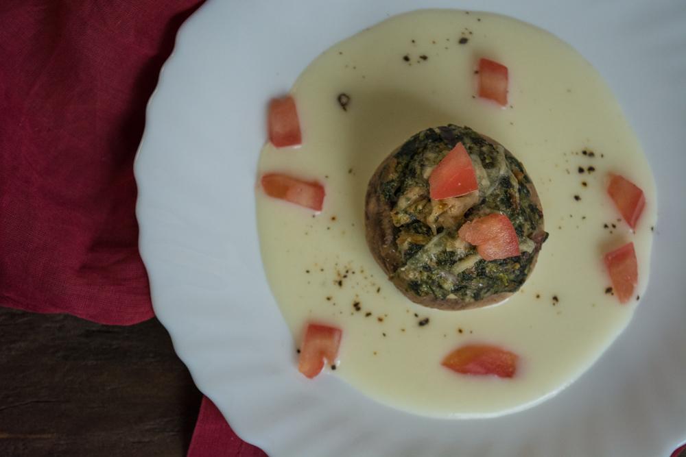 Stuffed mushroom & bechamel sauce