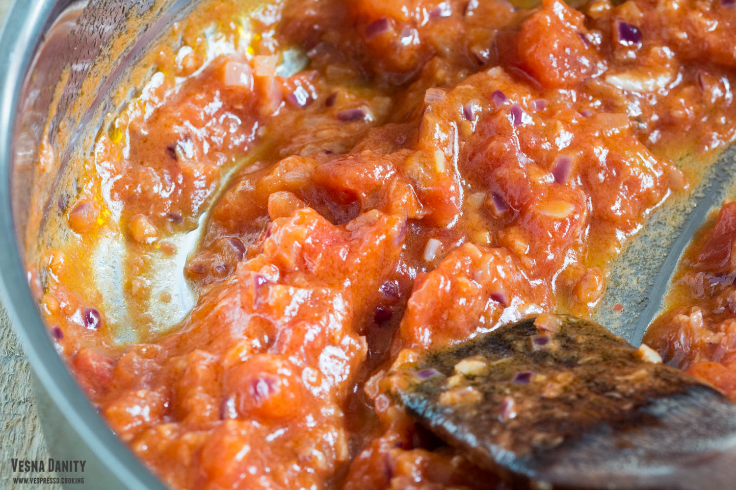 butter-onion-and-tomatoes